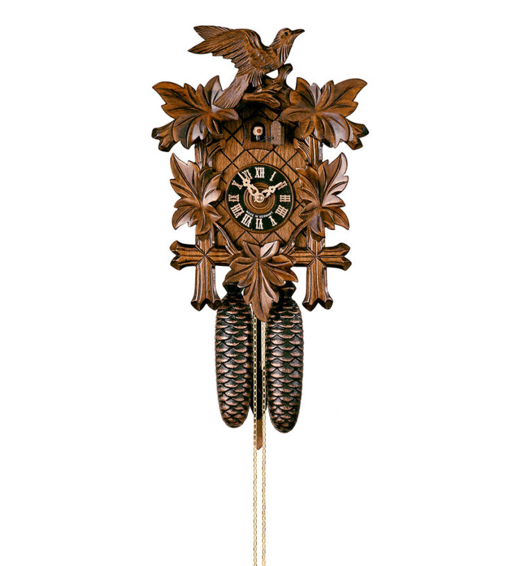 Cuckoo-Clock-from-black-forest-Germany-800_3